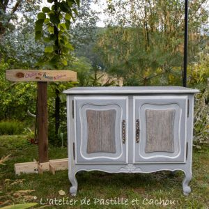 Meuble customisé gris vintage